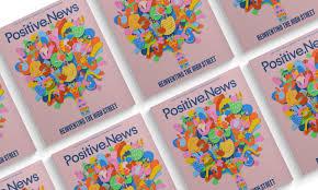 «Все удрали, боятся» — жители Челябинска об огромной яме у их многоэтажки